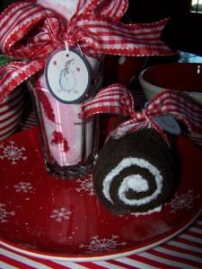 ly kem bánh khúc cây noel handmade